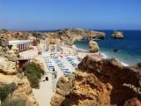 Die Kueste des Algarve hat die unterschiedlichsten Straende zu bieten